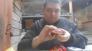 Бутерброд колбаса майонез кетчуп печенье