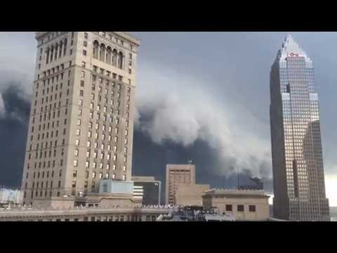 AMAZING shelf cloud/storm time lapse video - Cleveland, OH - 8/11/16