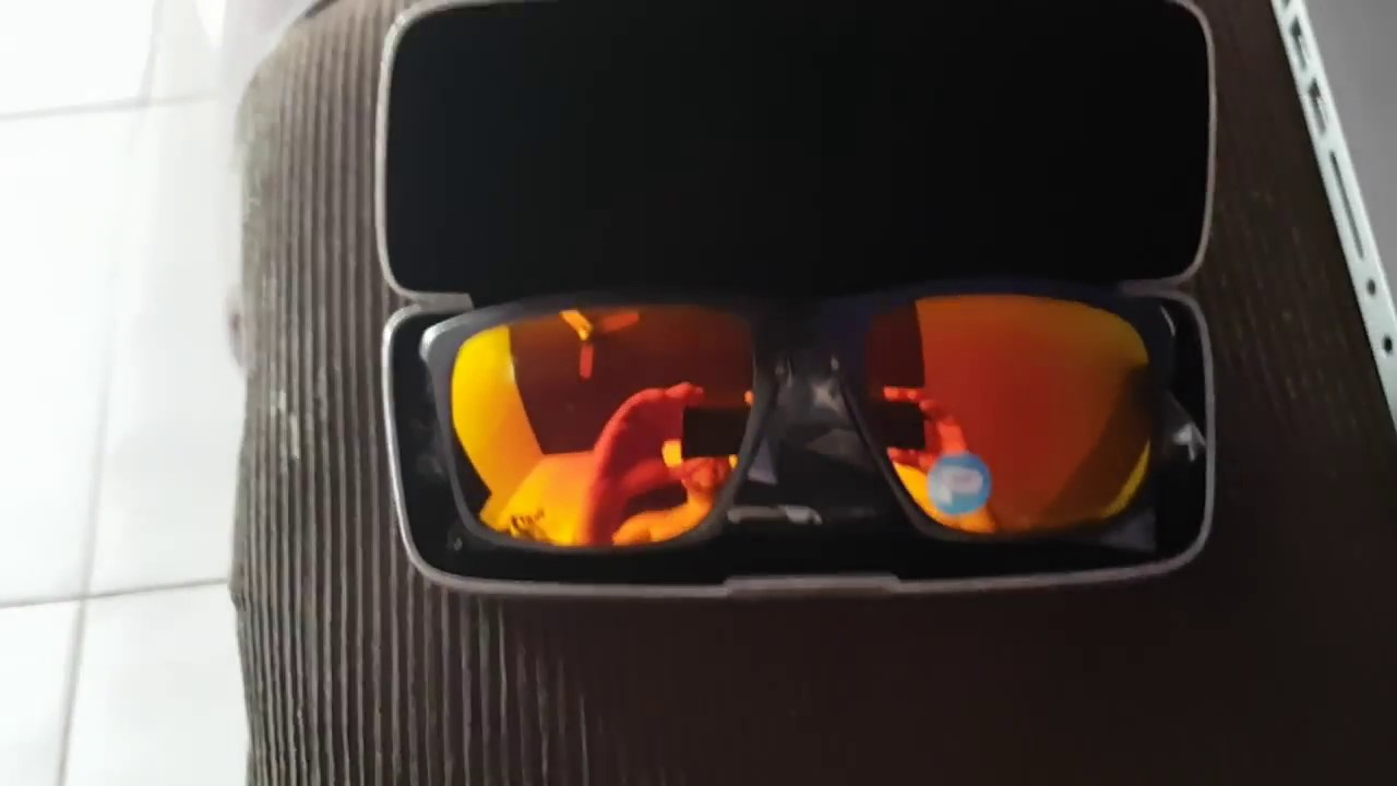 f2b153d8c3425 Óculos Oakley Sliver F Matte - Iridium Polarizado - YouTube