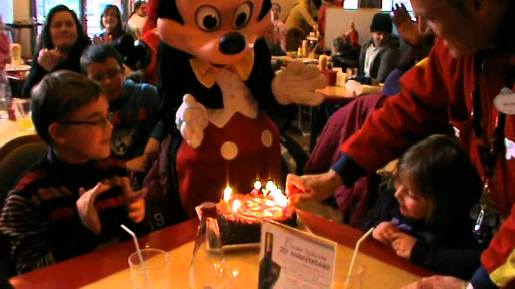 Disneyland Paris anniversaire au Caf Mickey YouTube