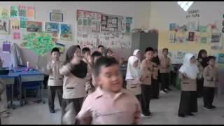 Download Video Latihan tari gemari sd plus nurul aulia cimahi MP3 3GP MP4