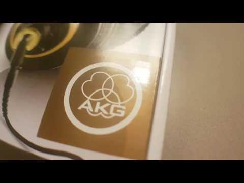 AKG k240 Studio Headphones - Professional Studio Standard - SUCK!!