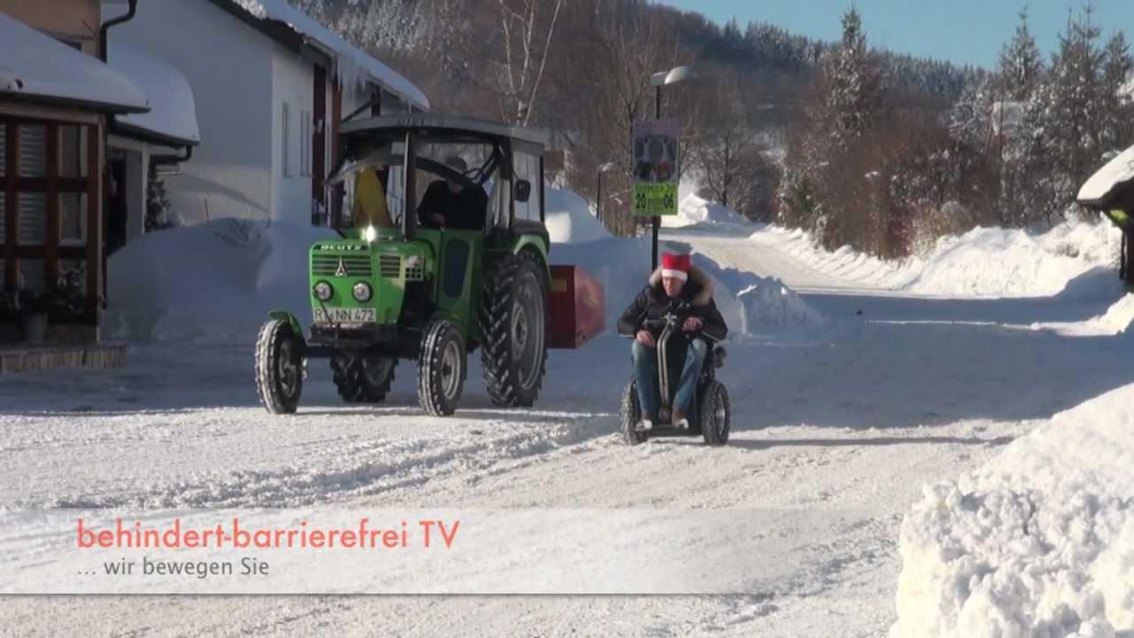 Rollstuhl vs.Traktor Winter Schnee Traktor vs.Segway - YouTube