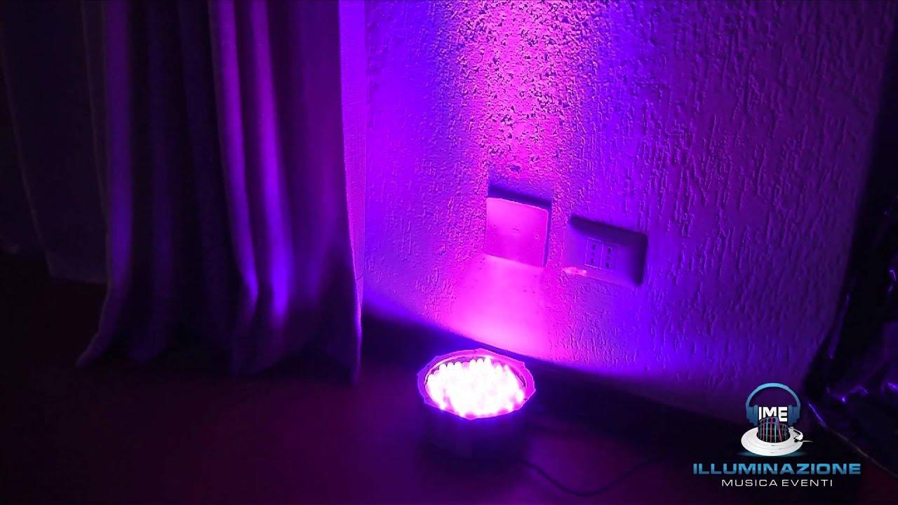 Allestimento della sala con luci colorate dj per feste a roma