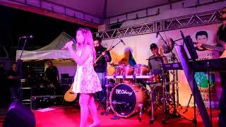 Fabiana Moneró    Wreckinball (live)