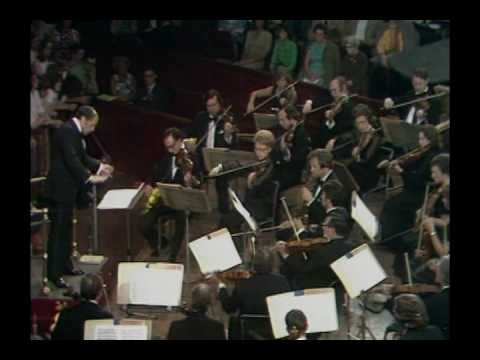 Arnold Schönberg: Accompaniment to a Film-Scene (BBC SO, Boulez)