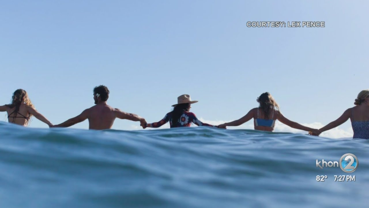 """Hundreds on Maui """"paddle out"""" in remembrance of George Floyd"""