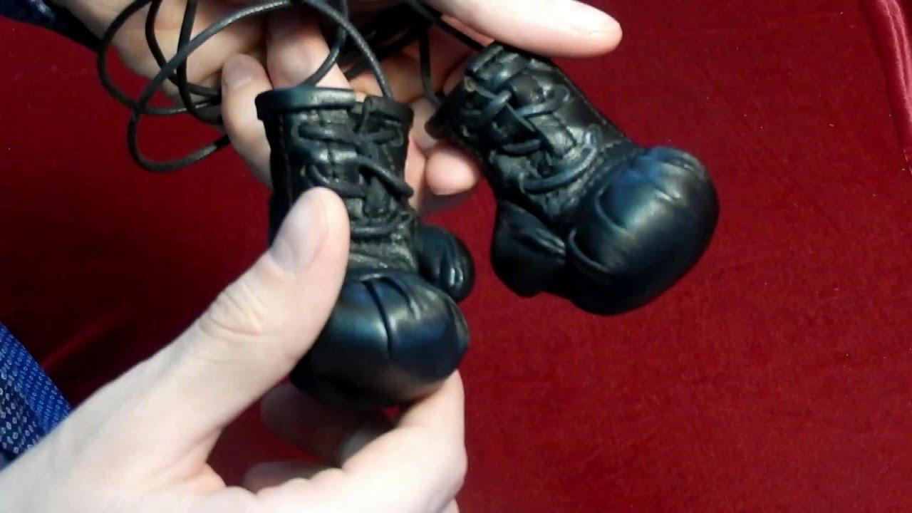 Больше 400 моделей боксерских перчаток по ценам производителя. Доставка перчаток для бокса в любую точку украины. Гарантия качества.
