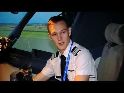 Boeing 737 Flight Simulator Darling Harbour - Sydney Weekender