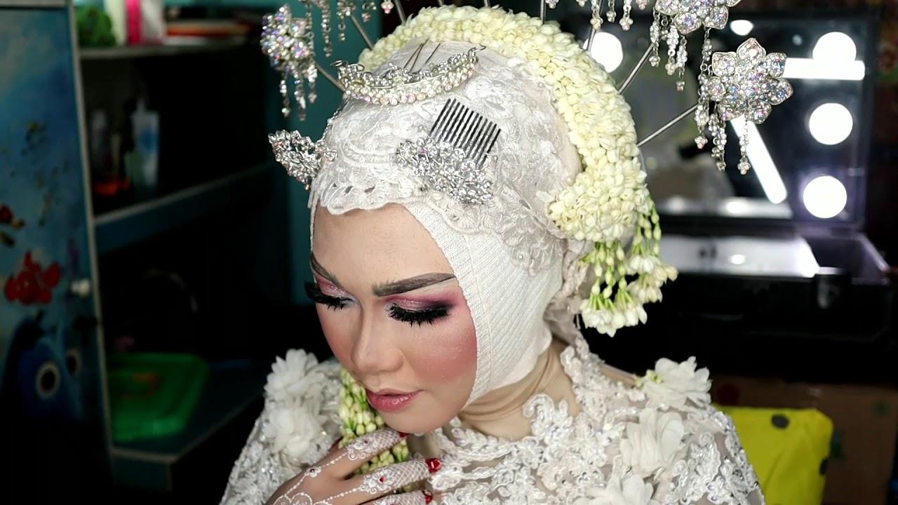 Solo Hijab Tanpa Paes Glowing Makeup By Ninik Widyawati