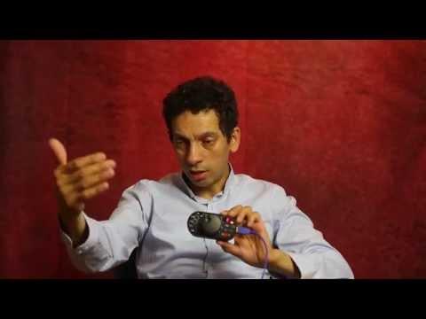 Preparing Canon 5D to shoot video (in Arabic)