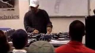 DJ Q Bert @ United DJ Mixing School (Sydney)