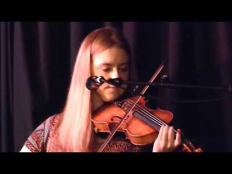 LUCIA MAC PARTLIN -The Lament for Kinsale-THE SEAMUS CREAGH FIDDLE CONCERT- An Spailpin Fanach,Cork