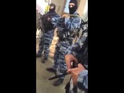 Обыск у мусульман в Каменке  Симферополь  26 05 2016