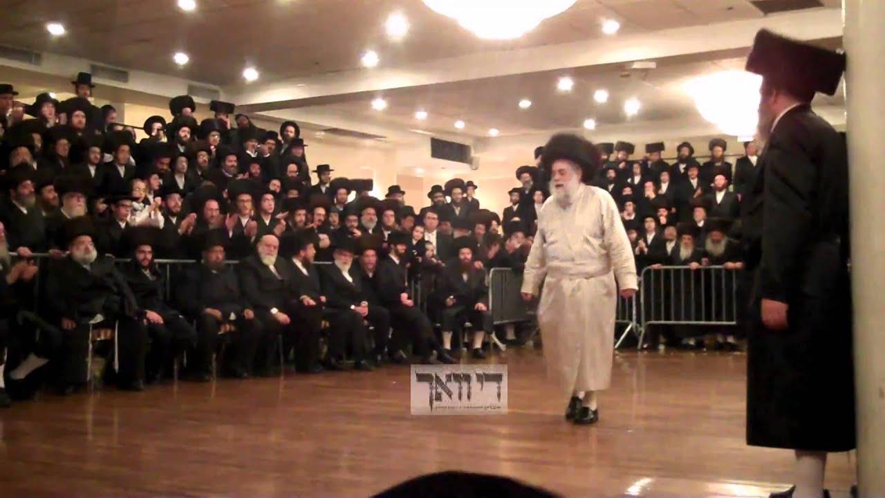 Toldos Aharon Rebbe - Mitzvah Tanz