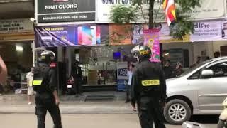 Khám xét cửa hàng điện thoại Nhật Cường