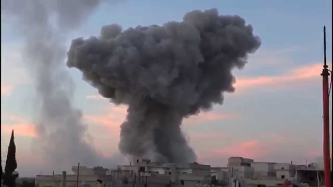 Syria, Homs - Fighter Jet Carpet Bombs The City - YouTube