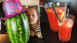 Orzeźwiająca lemoniada arbuzowa  / napój arbuzowy
