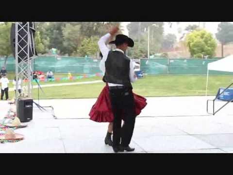 baile tipico de santa rita