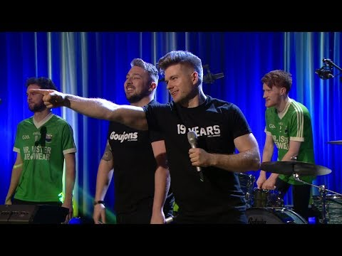 The 2 Johnnies 'When I Play For The County' | The Late Late Show | RTÉ One