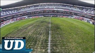 El Estadio Azteca con una cancha indigna de su historia