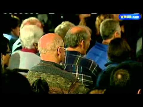 Crowds Increase For Santorum Campaign