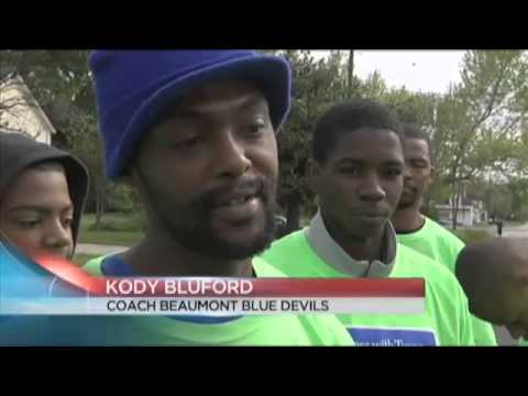 Community helps to cleanup Beaumont