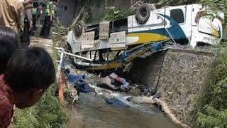 VIDEO AMATIR, Detik-detik Merekam Situasi Pasca Kecelakaan Beruntun di Puncak - VIDEO BERITA TERKINI