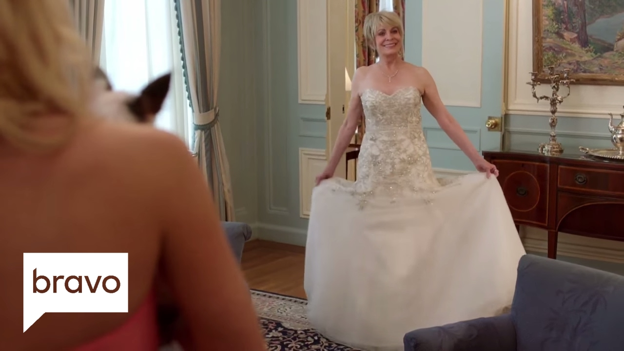 Download Odd Mom Out: Brooke's Not the Only One in White (Season 2, Episode 10) | Bravo