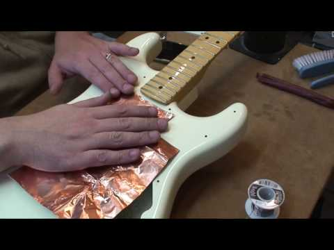 2015 US Fender Standard Stratocaster: Copper Shielding & Set