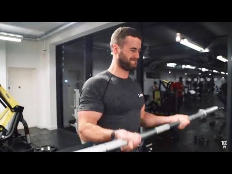 BICEPS, BURGERS & BURNOUTS - BICEP WORKOUT! Ft. Audi RS5, JE & Archie Hamilton