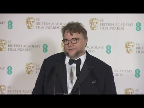 """Del Toro y """"Tres anuncios en las afueras"""" triunfan en los Bafta"""