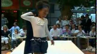 Coccinelle Kids Fashion Show Winter 2007 part 2 Thumbnail