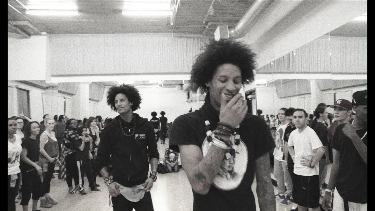 Les Twins: Who\'s a better teacher? Larry or Laurent Bourgeois? - YouTube