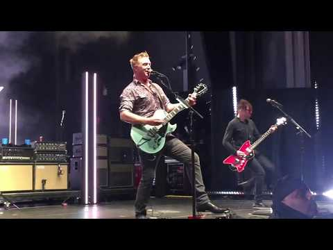 Queens of the Stone Age- The Way You Used to Do (live)