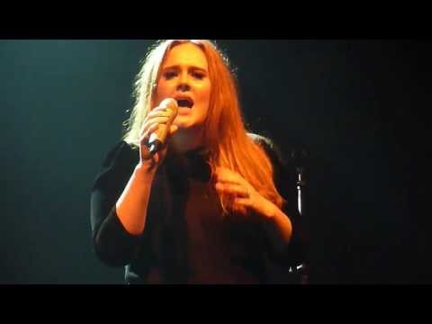 Adele - Someone like you (Live in Manchester Academy 17 April 2011)