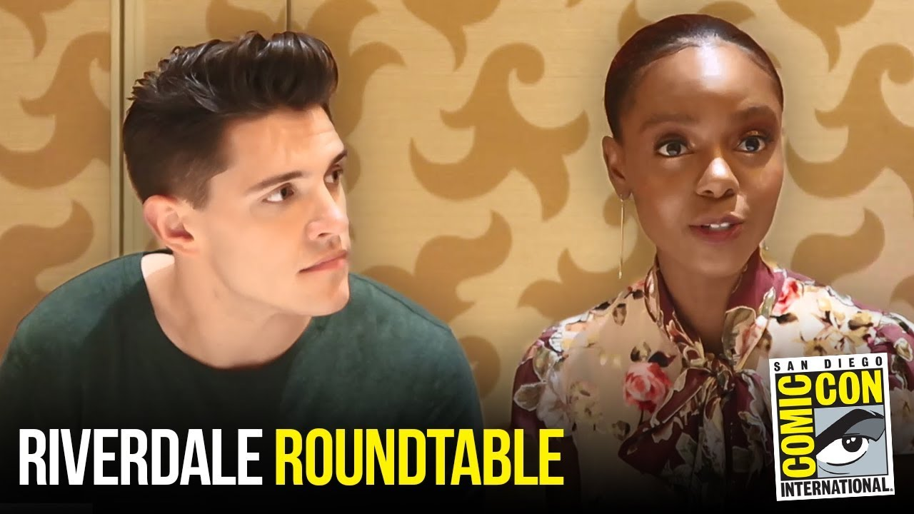 Casey Cott & Ashleigh Murray Riverdale Roundtable Interview at Comic Con 2018