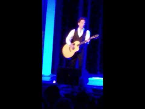 Richard Marx Guitar Solo 04/19/16 Fargo ND