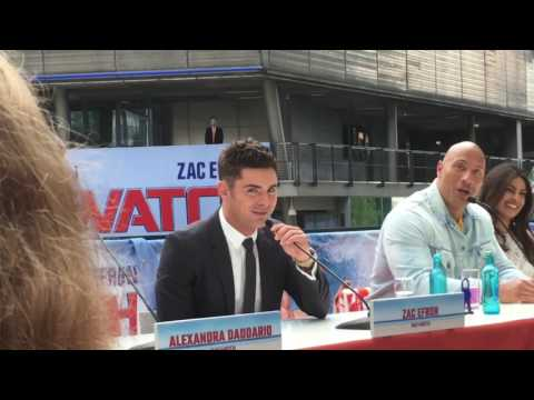 ZAC EFRON : MY BALLS SOUNDS LIKE MICKEY 😂😂😂👍 |  PRESS CONFERENCE BAYWATCH BERLIN