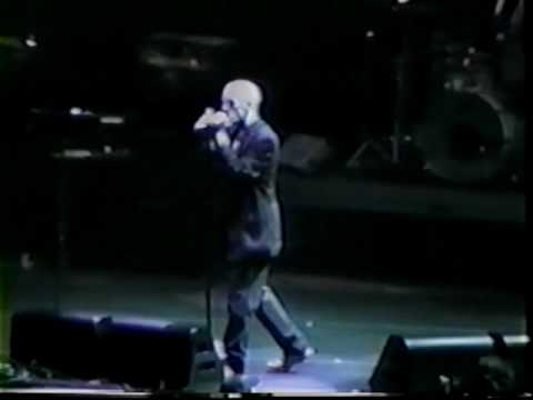 REM - Try Not To Breathe @ Albany  U.S.  (June 1995)