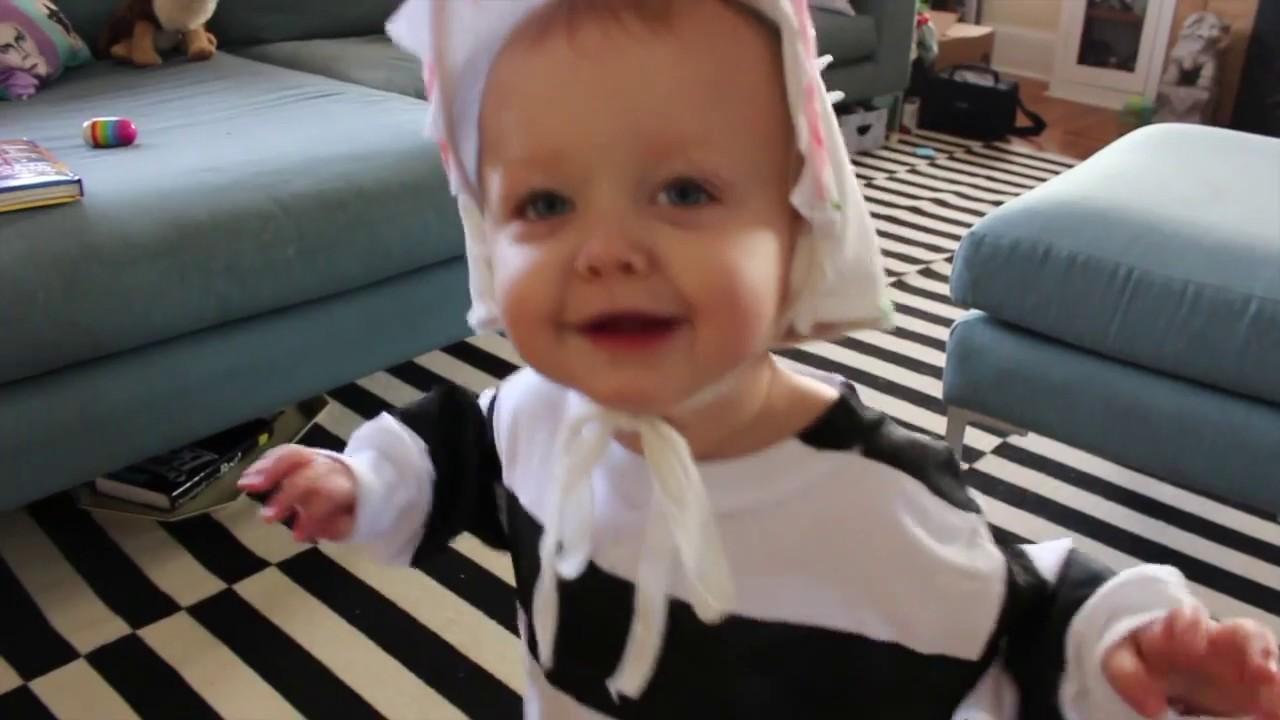 Beetlejuice Sandworm Costume Youtube