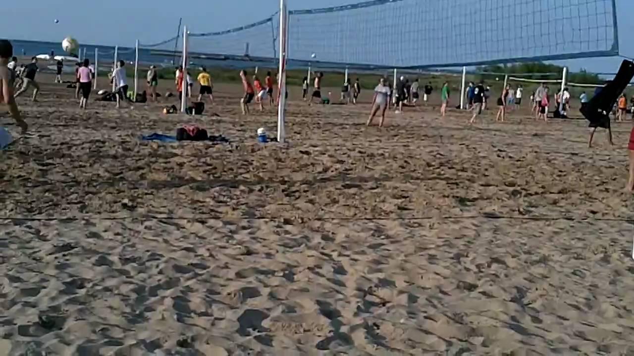 Montrose Beach Chicago Volleyball Mens Bb Summer 2010