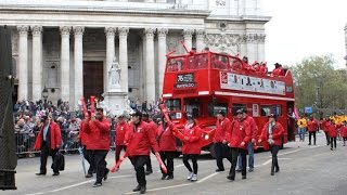Arriva London volunteers walk for charity in the Lord Mayor