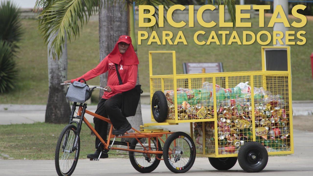 Resultado de imagem para Catadores ganham bikes para combater crueldade com cavalos