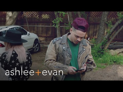 Evan Ross Freaks Without Cellphone Reception | Ashlee+Evan | E!