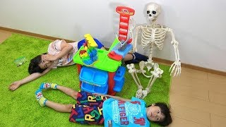 Skeleton came to m&m's shop Frieze to not notice!Pretend Play Ko-kun nemi-chan KIDSLINE