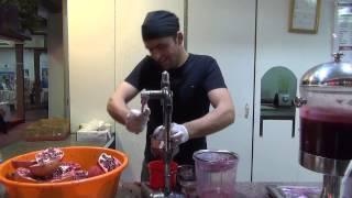 видео Натуральный гранатовый сок — польза и вред вкусного напитка
