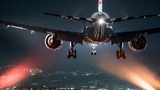 Pesawat Terbang Malam Hari