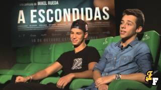 Entrevistamos a Germán Alcarazu y Adil Koukouh protagonistas de A Escondidas