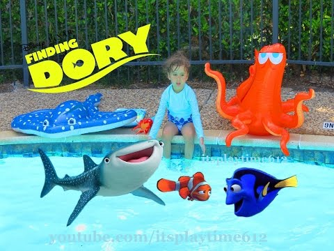 Swimming Giant Mr Ray With Finding Dory Swigglefish N